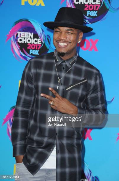 Singer NeYo arrives at the Teen Choice Awards 2017 at Galen Center on August 13 2017 in Los Angeles California