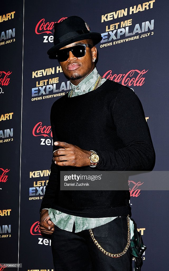 Singer Ne-Yo attends the 'Kevin Hart:Let Me Explain' New York Premiere at Regal Cinemas Union Square on June 19, 2013 in New York City.