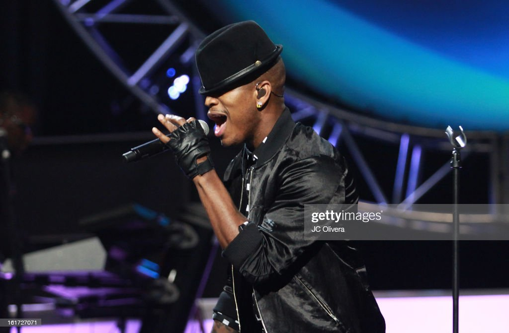 Singer <a gi-track='captionPersonalityLinkClicked' href=/galleries/search?phrase=Ne-Yo&family=editorial&specificpeople=451543 ng-click='$event.stopPropagation()'>Ne-Yo</a> performs on stage during Power 106's Valentine's Day Concert at Nokia Theatre L.A. Live on February 14, 2013 in Los Angeles, California.