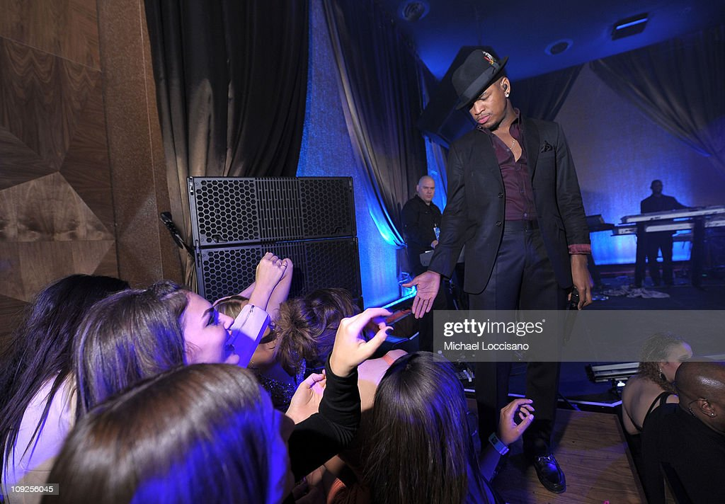 Singer <a gi-track='captionPersonalityLinkClicked' href=/galleries/search?phrase=Ne-Yo&family=editorial&specificpeople=451543 ng-click='$event.stopPropagation()'>Ne-Yo</a> performs onstage at Club SI Swimsuit hosted by Vanity at Vanity Nightclub at The Hard Rock Hotel and Casino on February 17, 2011 in Las Vegas, Nevada.