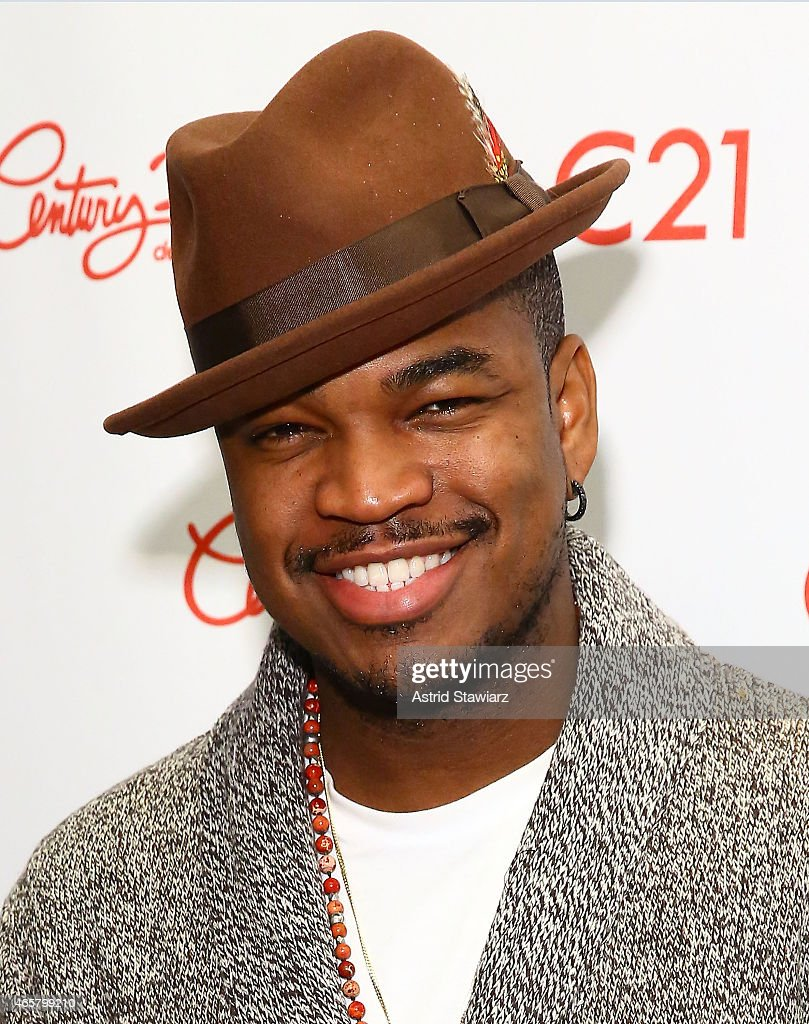 Ne-Yo Visits Century 21 Department Store