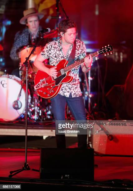 Singer Niall Horan performs on the second night of CBS RADIO's 'SPF' concert at The Boulevard Pool at The Cosmopolitan of Las Vegas on May 20 2017 in...