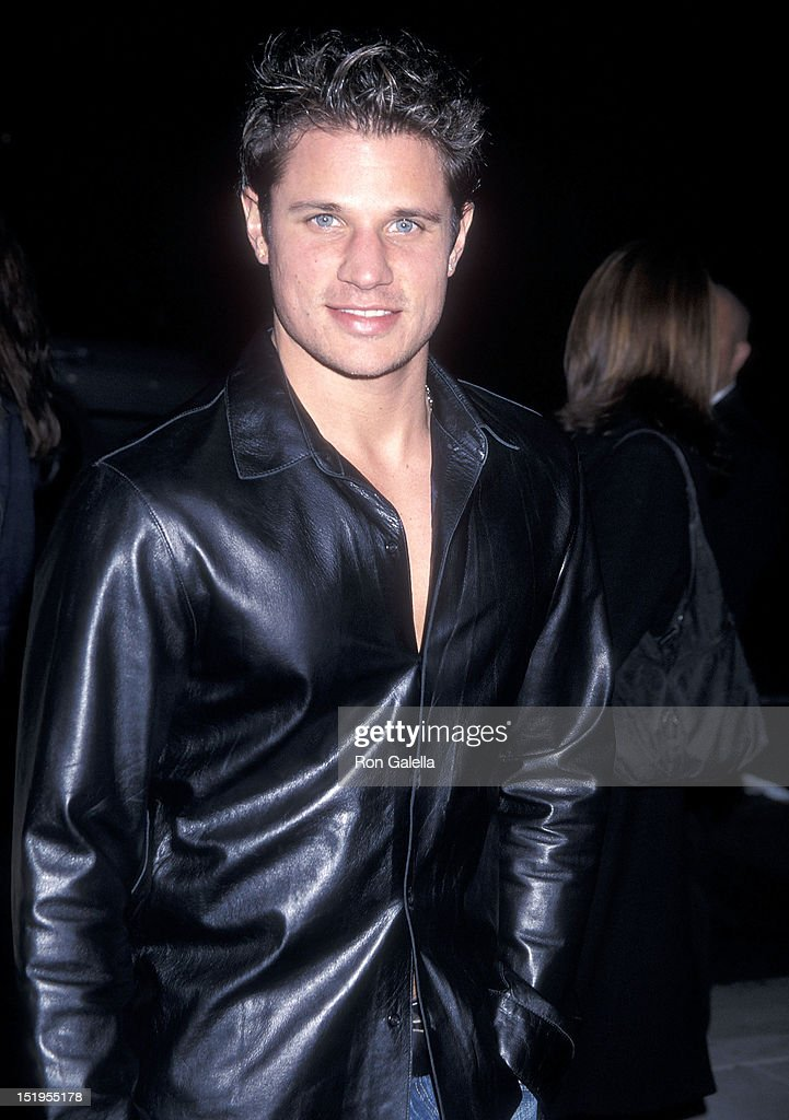 Singer <a gi-track='captionPersonalityLinkClicked' href=/galleries/search?phrase=Nick+Lachey&family=editorial&specificpeople=201832 ng-click='$event.stopPropagation()'>Nick Lachey</a> of 98 Degrees attends the 'I Am Sam' Beverly Hills Premiere on December 3, 2001 at the Academy of Motion Picture Arts & Sciences in Beverly Hills, California.