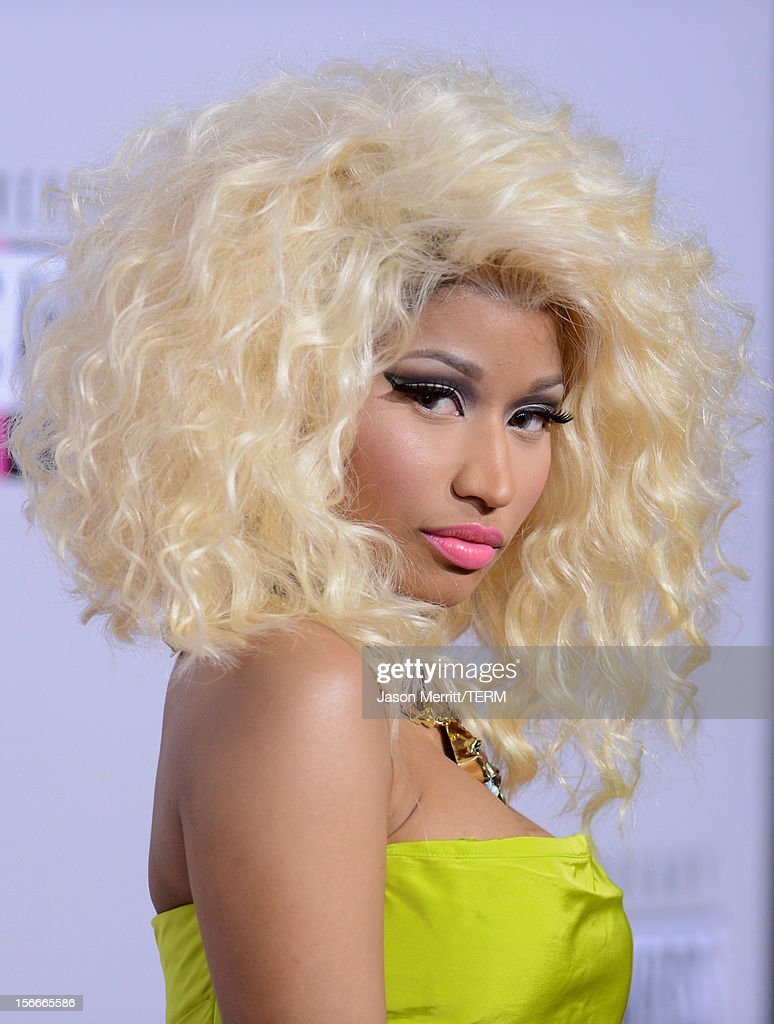 Singer <a gi-track='captionPersonalityLinkClicked' href=/galleries/search?phrase=Nicki+Minaj+-+Performer&family=editorial&specificpeople=6362705 ng-click='$event.stopPropagation()'>Nicki Minaj</a> attends the 40th American Music Awards held at Nokia Theatre L.A. Live on November 18, 2012 in Los Angeles, California.