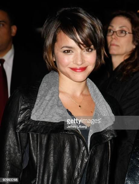 Singer Norah Jones visits 'Late Show With David Letterman' at the Ed Sullivan Theater on November 11 2009 in New York City