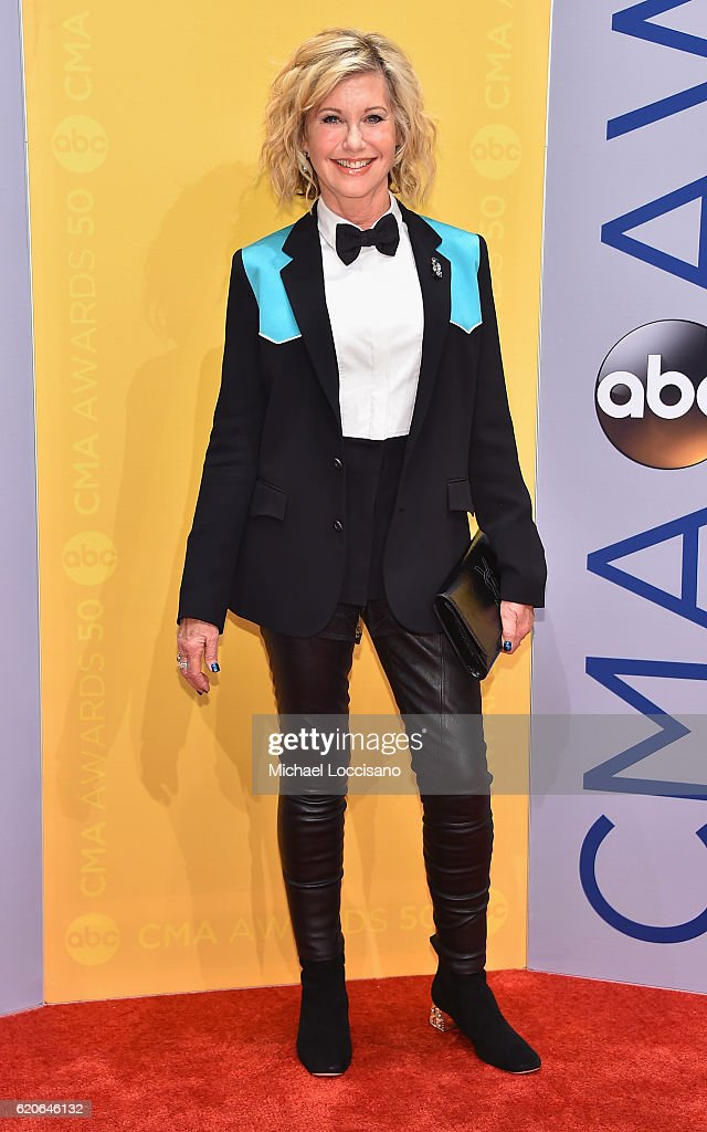 singer-olivia-newtonjohn-attends-the-50th-annual-cma-awards-at-the-picture-id620646132