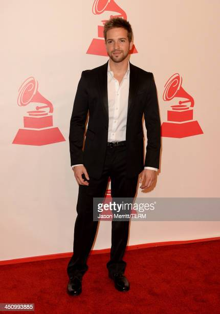 Singer Pablo Alboran arrives at the 2013 Latin Recording Academy Person Of The Year honoring Miguel Bose at the Mandalay Bay Convention Center on...