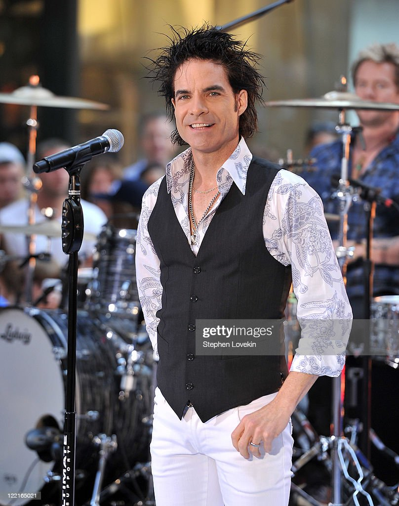 Singer Pat Monahan of Train performs on NBC's 'Today' at Rockefeller Center on August 26, 2011 in New York City.