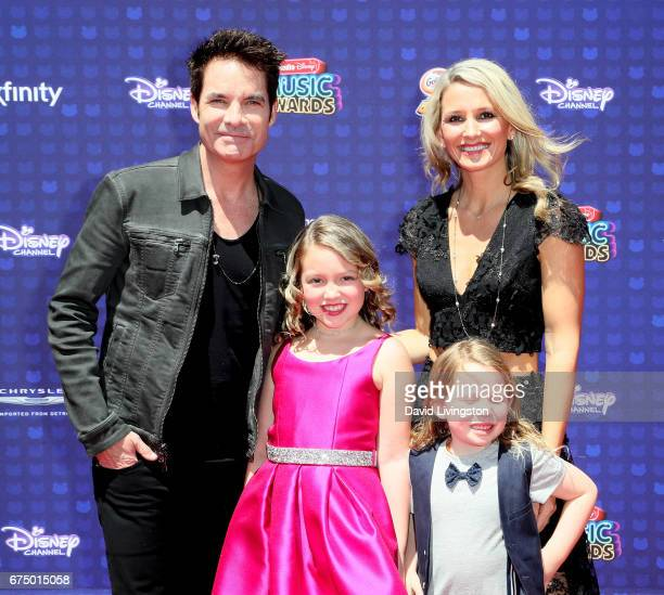 how did pat monahan meet amber peterson