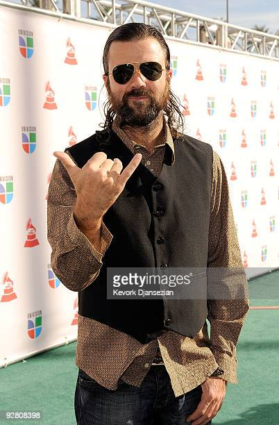 Singer Pau Dones of Jarabe de Palo arrives at the 10th annual Latin GRAMMY Awards held at Mandalay Bay Events Center on November 5 2009 in Las Vegas...