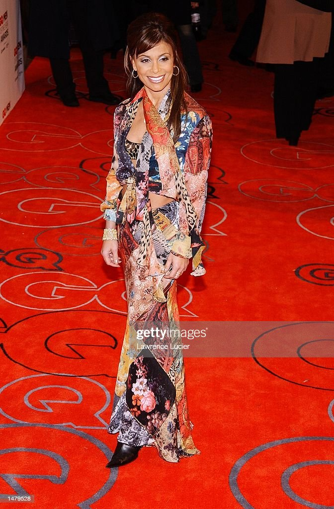 Singer Paula Abdul arrives at the 2002 GQ Men of the Year Awards October 16, 2002 at the Manhattan Center in New York City, New York.