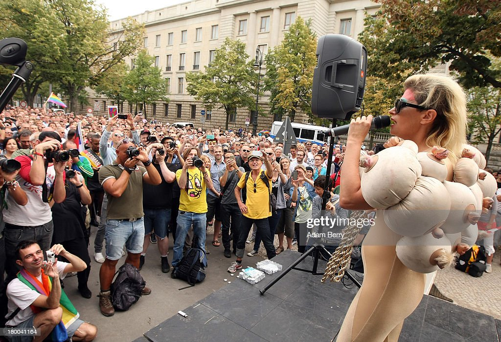 Singer Peaches performs during the 'To Russia With Love' Global Kiss-In in front of the Russian Embassy on September 8, 2013 in Berlin, Germany. The event was designed to show international solidarity with homosexuals in Russia, currently under pressure from with what is considered by some in societies with more liberal gay rights policies to be homophobic legislation.