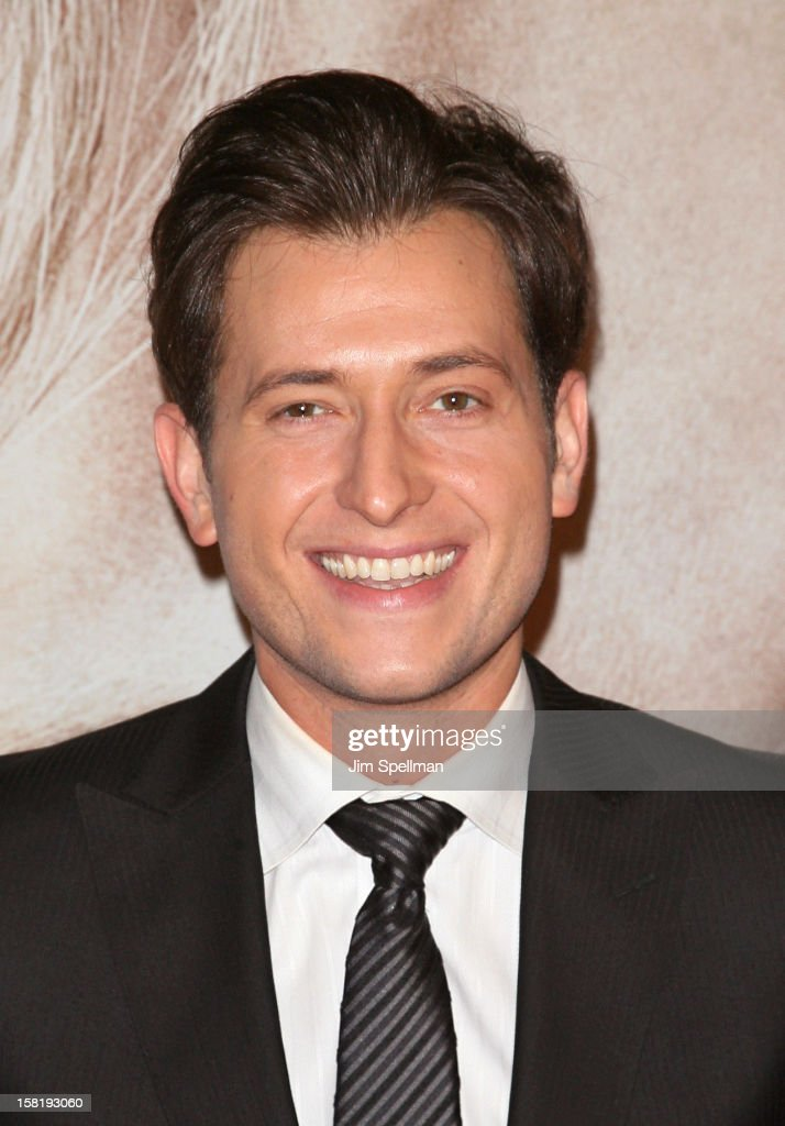Singer Peter Cincotti attends the 'Les Miserables' New York Premiere at Ziegfeld Theatre on December 10, 2012 in New York City.