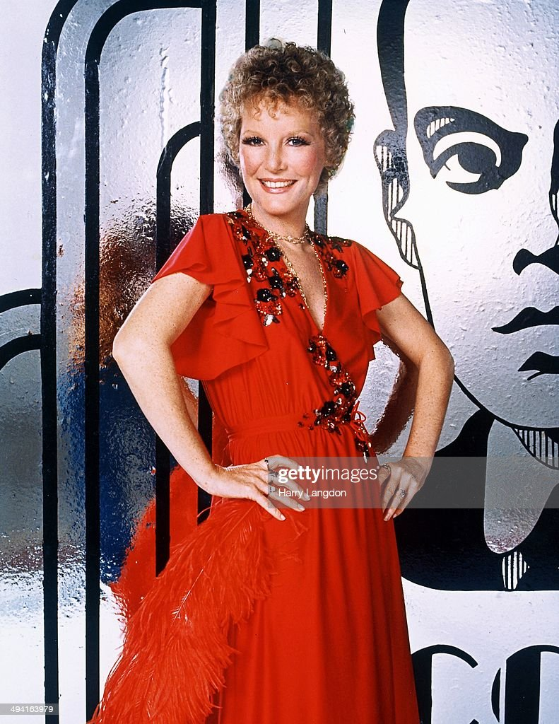 Singer <a gi-track='captionPersonalityLinkClicked' href=/galleries/search?phrase=Petula+Clark&family=editorial&specificpeople=208081 ng-click='$event.stopPropagation()'>Petula Clark</a> poses for a portrait in 1980 in Los Angeles, California.