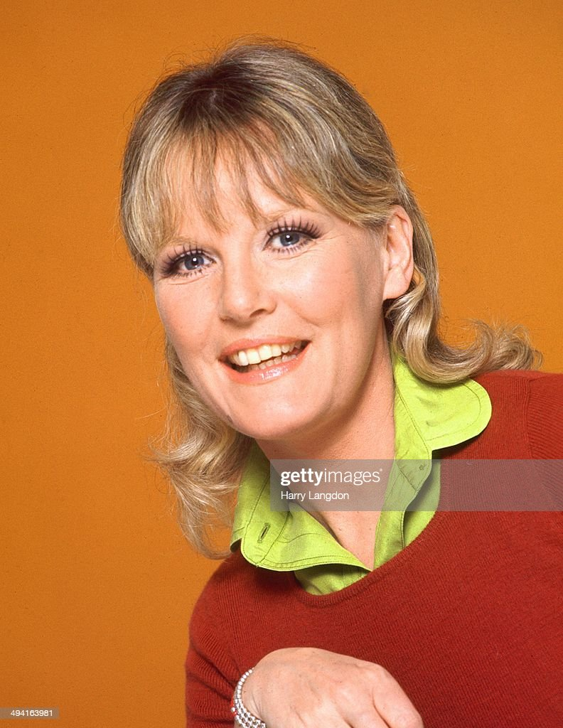 Singer <a gi-track='captionPersonalityLinkClicked' href=/galleries/search?phrase=Petula+Clark&family=editorial&specificpeople=208081 ng-click='$event.stopPropagation()'>Petula Clark</a> poses for a portrait in 1982 in Los Angeles, California.