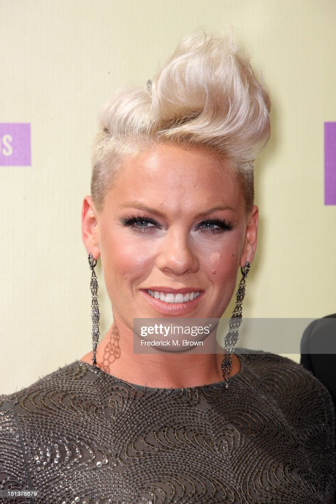 Singer <a gi-track='captionPersonalityLinkClicked' href=/galleries/search?phrase=Pink+-+Singer&family=editorial&specificpeople=220194 ng-click='$event.stopPropagation()'>Pink</a> arrives at the 2012 MTV Video Music Awards at Staples Center on September 6, 2012 in Los Angeles, California.