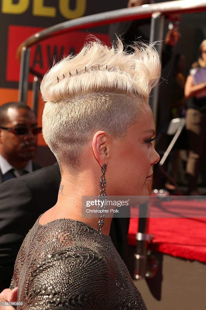 Singer Pink arrives at the 2012 MTV Video Music Awards at Staples Center on September 6, 2012 in Los Angeles, California.