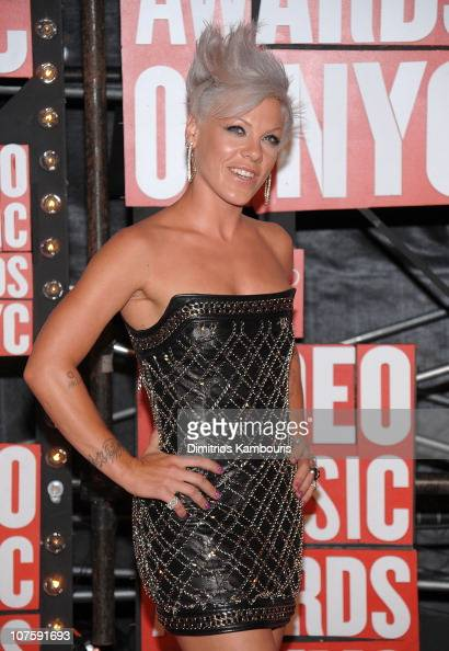 Singer Pink attends the 2009 MTV Video Music Awards at Radio City Music Hall on September 13 2009 in New York City