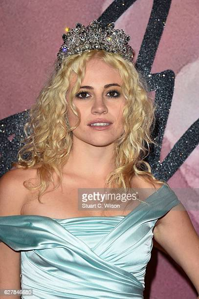 Singer Pixie Lott attends The Fashion Awards 2016 on December 5 2016 in London United Kingdom