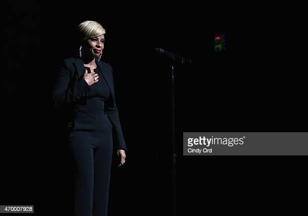 Singer/ producer Mary J Blige performs on stage at the world premiere of the documentary'Mary J Blige The London Sessions' during the 2015 Tribeca...