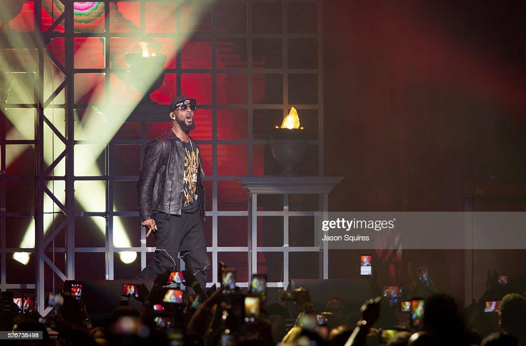Singer R. Kelly performs at Sprint Center on April 30, 2016 in Kansas City, Missouri.