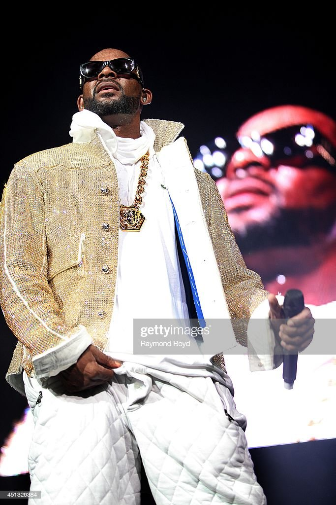 Singer R. Kelly performs at the United Center during the 'WGCI-FM Summer Jam 2014' on June 22, 2014 in Chicago, Illinois.