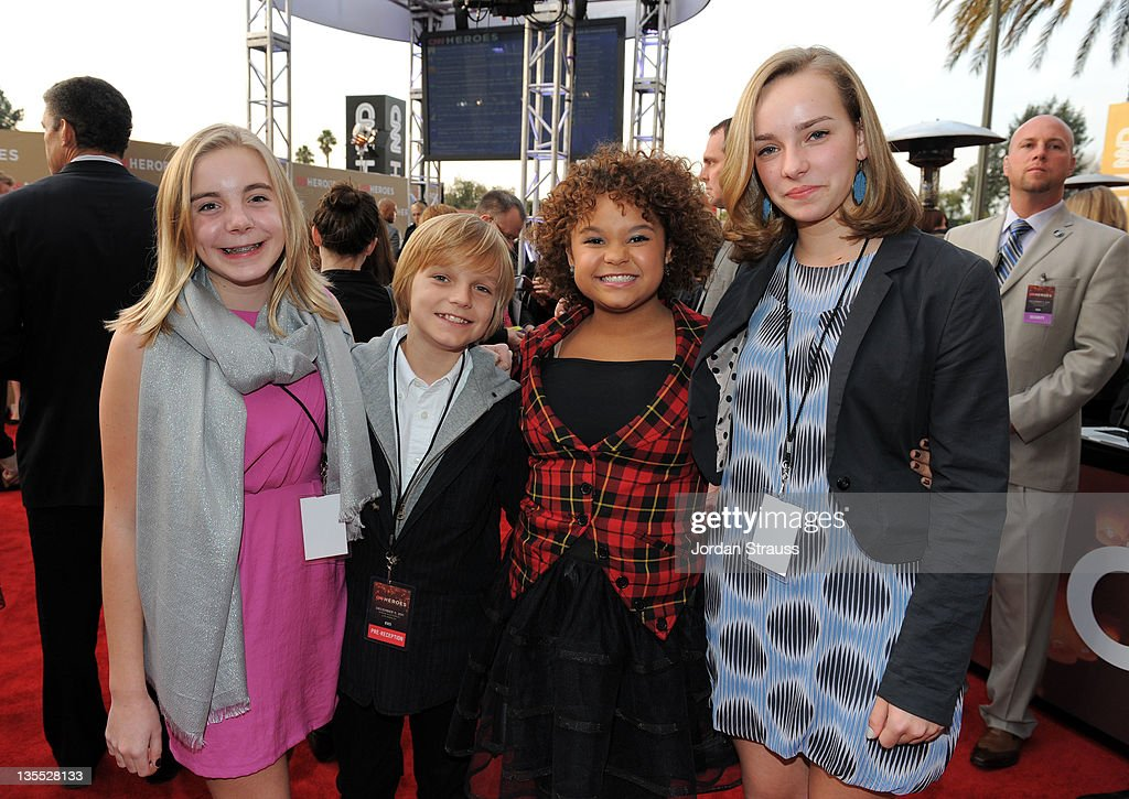 Singer Rachel Crow (C) arrives at 2011 CNN Heroes: An All-Star Tribute at The Shrine Auditorium on December 11, 2011 in Los Angeles, California. 21959_008_JS2_0256.JPG