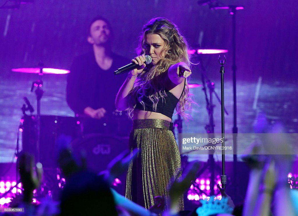 Singer Rachel Platten performs onstage at Dick Clark's New Year's Rockin' Eve with Ryan Seacrest 2016 on December 31, 2015 in Los Angeles, CA.