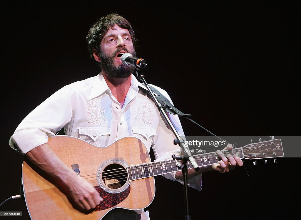 Singer Ray Lamontagne performs on stage at the 'From the Big Apple to the Big Easy' New York City's Benefit Concert for the Gulf Coast at Radio City Music Hall September 20, 2005 in New York City.