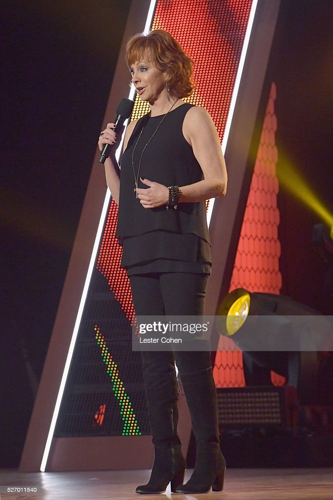 Singer <a gi-track='captionPersonalityLinkClicked' href=/galleries/search?phrase=Reba+McEntire&family=editorial&specificpeople=202959 ng-click='$event.stopPropagation()'>Reba McEntire</a> speaks onstage during the 2016 American Country Countdown Awards at The Forum on May 1, 2016 in Inglewood, California.