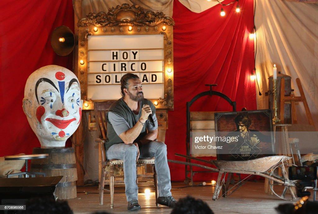 Singer Ricardo Arjona attends a press conference to promote his new album 'Circo Soledad' at Estacion Indianillas on April 20, 2017 in Mexico City, Mexico.