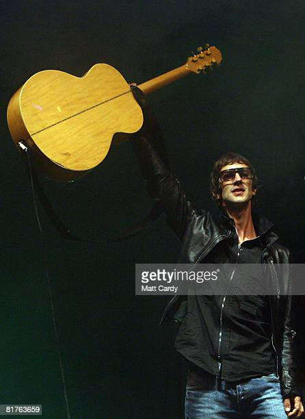 Singer Richard Ashcroft of The Verve performs on the Pyramid Stage at the Glastonbury Festival at Worthy Farm Pilton on June 29 2008 in Glastonbury...