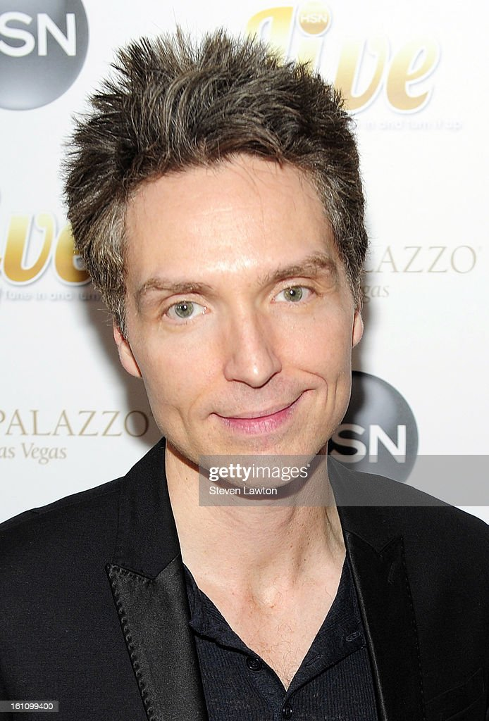 Singer <a gi-track='captionPersonalityLinkClicked' href=/galleries/search?phrase=Richard+Marx&family=editorial&specificpeople=227408 ng-click='$event.stopPropagation()'>Richard Marx</a> arrives at the HSN Live Michael Bolton concert at The Venetian Resort Hotel Casino on February 8, 2013 in Las Vegas, Nevada.