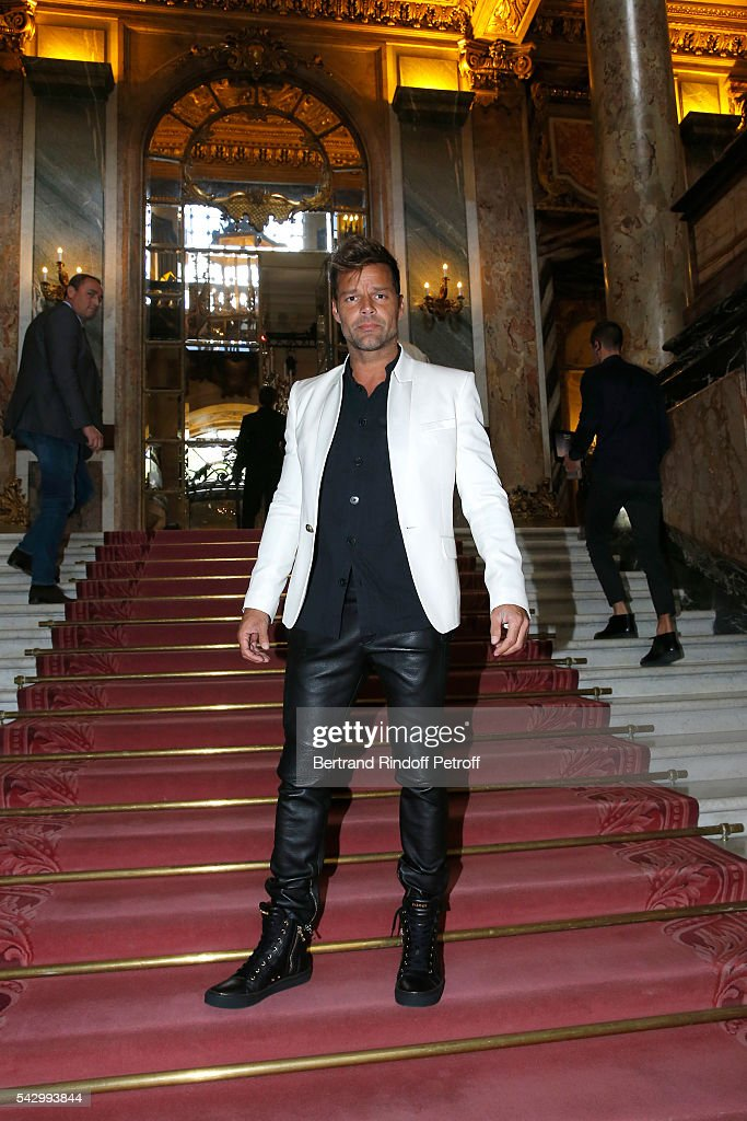 Singer Ricky Martin attends the Balmain Menswear Spring/Summer 2017 show as part of Paris Fashion Week on June 25, 2016 in Paris, France.