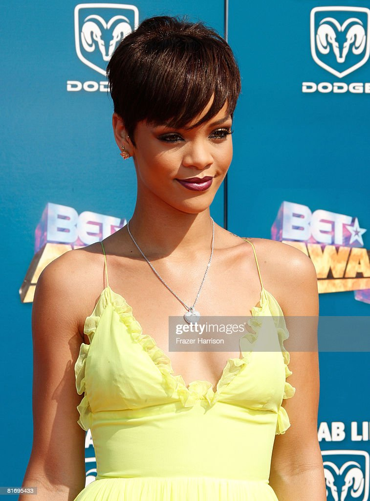 Singer <a gi-track='captionPersonalityLinkClicked' href=/galleries/search?phrase=Rihanna&family=editorial&specificpeople=453439 ng-click='$event.stopPropagation()'>Rihanna</a> arrives at the 2008 BET Awards held at the Shrine Auditorium on June 24, 2008 in Los Angeles, California.