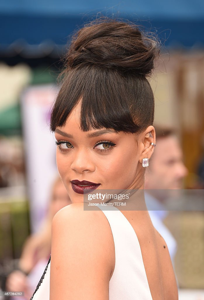 Singer Rihanna attends the premiere of Twentieth Century Fox And Dreamworks Animation's 'HOME' at Regency Village Theatre on March 22 2015 in...