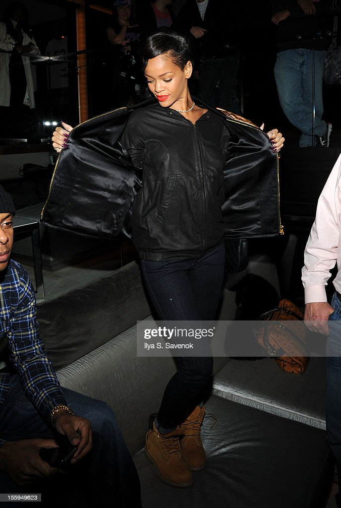 Singer <a gi-track='captionPersonalityLinkClicked' href=/galleries/search?phrase=Rihanna&family=editorial&specificpeople=453439 ng-click='$event.stopPropagation()'>Rihanna</a> attends the pre-release preview of <a gi-track='captionPersonalityLinkClicked' href=/galleries/search?phrase=Rihanna&family=editorial&specificpeople=453439 ng-click='$event.stopPropagation()'>Rihanna</a>'s new album 'Unapologetic' at 40 / 40 Club on November 9, 2012 in New York City.