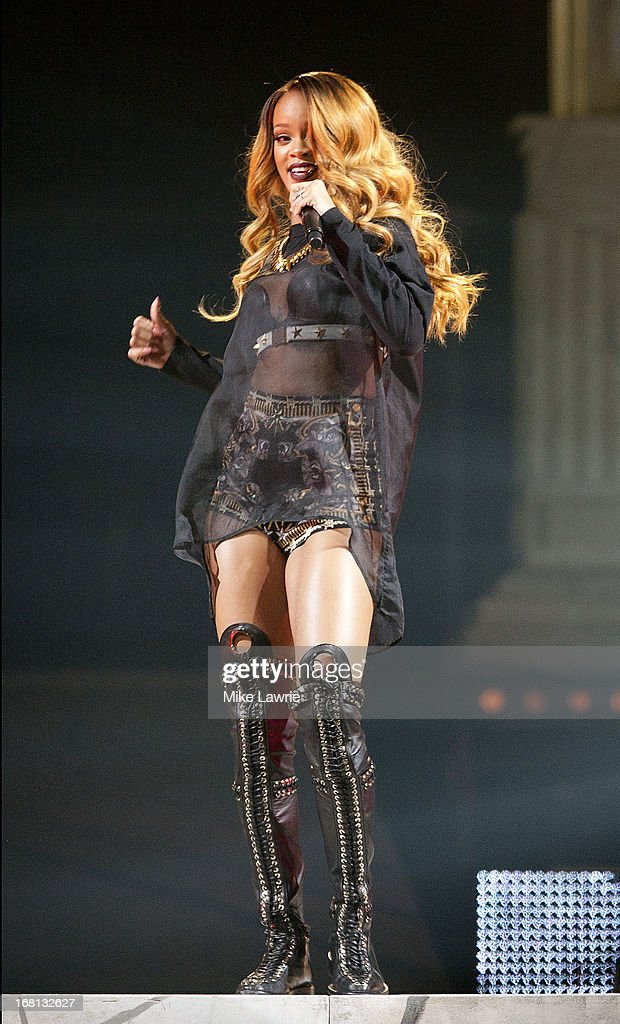 Singer <a gi-track='captionPersonalityLinkClicked' href=/galleries/search?phrase=Rihanna&family=editorial&specificpeople=453439 ng-click='$event.stopPropagation()'>Rihanna</a> performs at Barclays Center on May 5, 2013 in the Brooklyn burough of New York City.