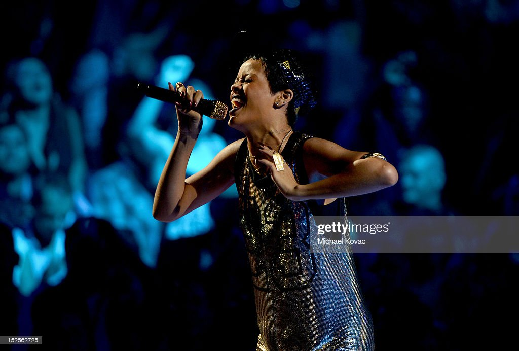 Singer <a gi-track='captionPersonalityLinkClicked' href=/galleries/search?phrase=Rihanna&family=editorial&specificpeople=453439 ng-click='$event.stopPropagation()'>Rihanna</a> performs onstage during the 2012 iHeartRadio Music Festival at the MGM Grand Garden Arena on September 21, 2012 in Las Vegas, Nevada.