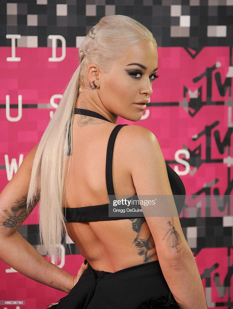 Singer Rita Ora arrives at the 2015 MTV Video Music Awards at Microsoft Theater on August 30, 2015 in Los Angeles, California.