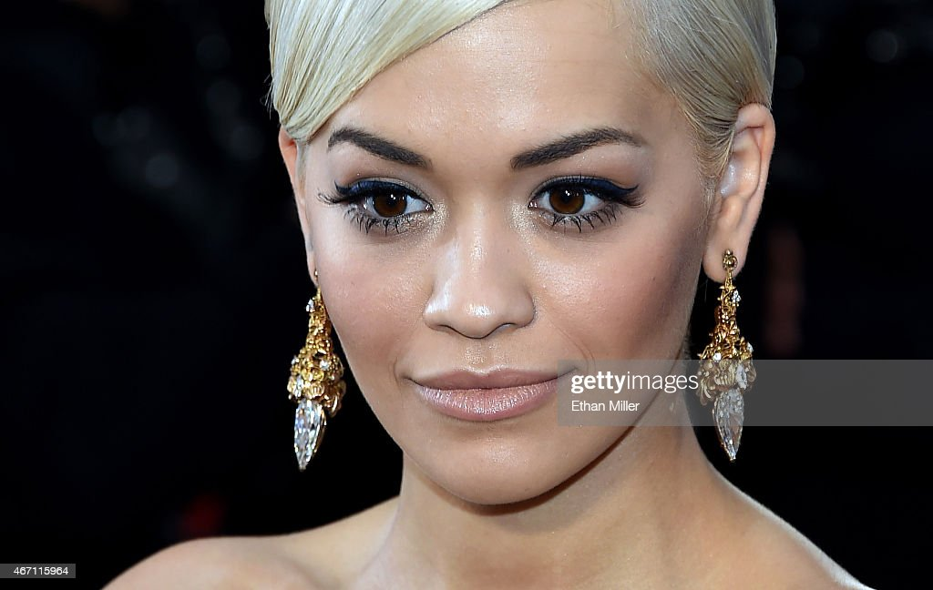 Singer Rita Ora attends the 87th Annual Academy Awards at Hollywood & Highland Center on February 22, 2015 in Hollywood, California.