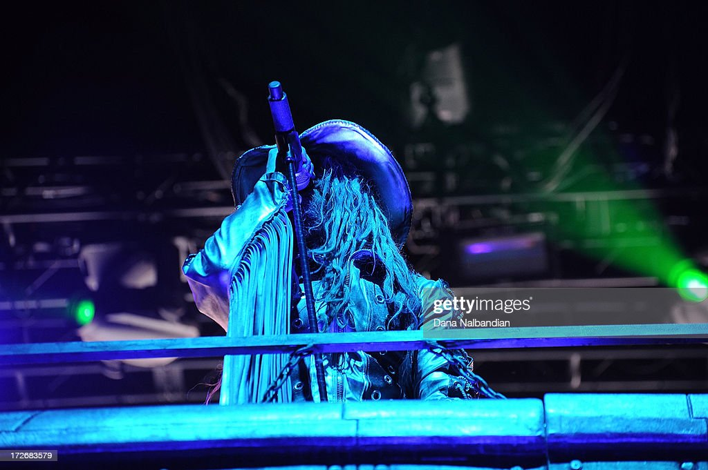 Singer <a gi-track='captionPersonalityLinkClicked' href=/galleries/search?phrase=Rob+Zombie&family=editorial&specificpeople=217722 ng-click='$event.stopPropagation()'>Rob Zombie</a> performs at White River Amphitheater on July 3, 2013 in Auburn, Washington.