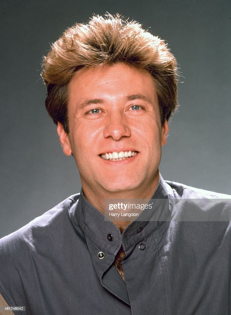 Singer Robert Lamm poses for a portrait in 1984 in Los Angeles, California.