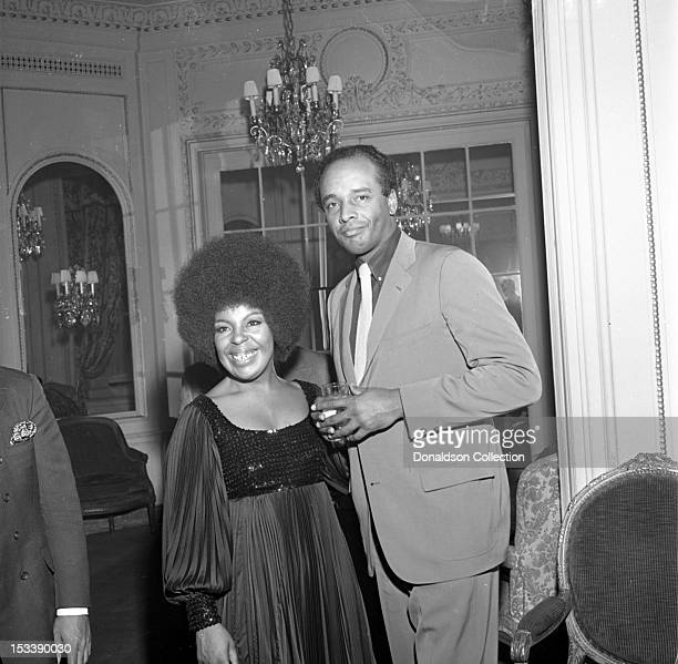 Singer Roberta Flack and ABC newscaster Gil Noble at an Atlantic Records party in her honor at the St Regis Hotel on November 17 1969 in New York New...