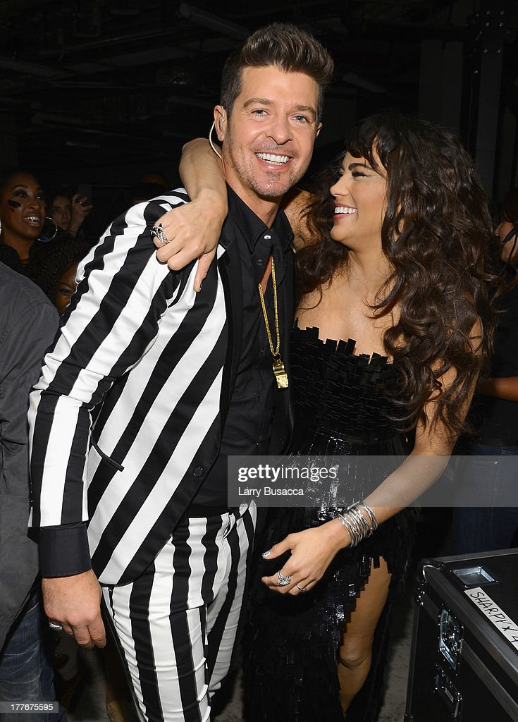 Singer Robin Thicke and actress Paula Patton attend the 2013 MTV Video Music Awards at the Barclays Center on August 25, 2013 in the Brooklyn borough of New York City.