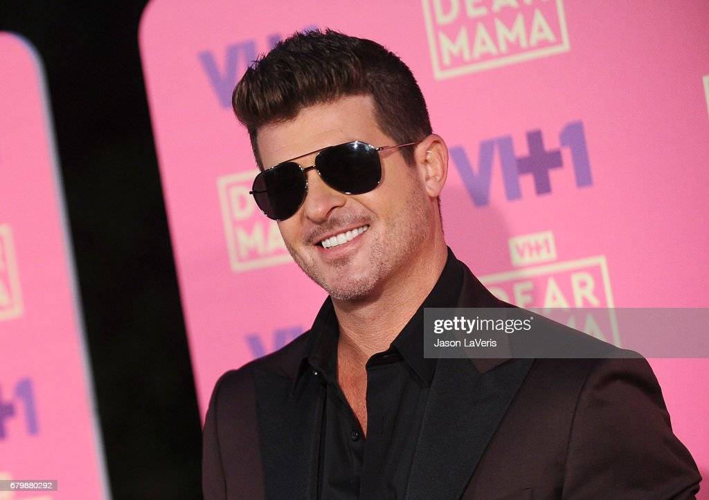 Singer Robin Thicke attends VH1's 2nd annual 'Dear Mama: An Event to Honor Moms' on May 6, 2017 in Pasadena, California.