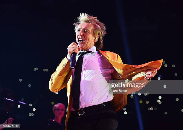 Singer Rod Stewart performs prior to the IBF IBO WBA WBO Heavyweight World Championship contest between Wladimir Klitschko and Tyson Fury at...