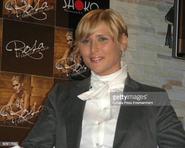 Singer Rosa Lopez attends a press conference to present her new album 'Propiedad de nadie' at Madrid Soho on November 2 2009 in Madrid Spain