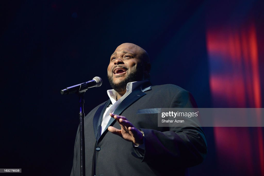 Singer <a gi-track='captionPersonalityLinkClicked' href=/galleries/search?phrase=Ruben+Studdard&family=editorial&specificpeople=204671 ng-click='$event.stopPropagation()'>Ruben Studdard</a> performs during Amateur Night at The Apollo Theater on March 6, 2013 in New York City.