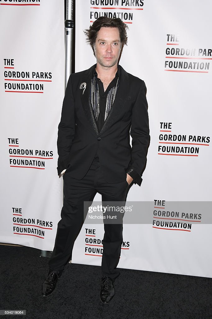 Singer <a gi-track='captionPersonalityLinkClicked' href=/galleries/search?phrase=Rufus+Wainwright&family=editorial&specificpeople=206122 ng-click='$event.stopPropagation()'>Rufus Wainwright</a> attends the 2016 Gordon Parks Foundation awards dinner at Cipriani 42nd Street on May 24, 2016 in New York City.